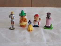 Figurines ( 5 ) - Figurillas