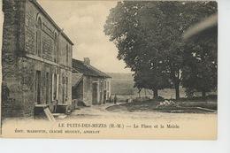LE PUITS DES MEZES - La Place Et La Mairie - France