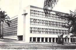 AFRIQUE NOIRE - CONGO Brazzaville : COLLEGE Des SOEURS ST JOSEPH DE CLUNY - CPSM Dentelée N/B Format CPA - Black Africa - Brazzaville