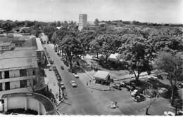 AFRIQUE NOIRE - COTE D'IVOIRE - ABIDJAN : Boulevard Antonetti - CPSM Dentelée Noir Blanc Format CPA - Black Africa - Ivory Coast