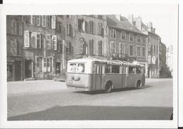 Photo - Thème Transport  - Tramway -trolleybus - Metz - Galeries Pasteur - Trains