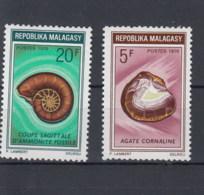 Madagaskar Michel Cat.No.   Mnh/** 612/613 - Madagascar (1960-...)