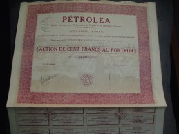 """Action De 100F """" Petroléa """" Exploitation Du Pétrole Et Industrie Chimique  Paris 1922 Bon état,avec Tous Les Coupons - Pétrole"""