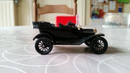 """Corgi #9013 """"classics"""" 1915 Model T Ford, Black - Corgi Toys"""
