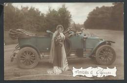 +++ CPA - Carte Fantaisie - Amitiés - Voiture - Auto - Car - Femme - REX 4864    // - Cartes Postales