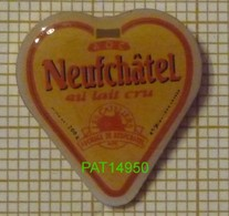 FROMAGE AOC NEUFCHATEL  En Bray  AU LAIT CRU NORMANDIE Dpt 76 SEINE MARITIME - Alimentación