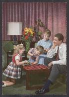 92389/ ENFANTS, Famille, Jeu De Dames - Groupes D'enfants & Familles