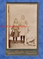 2 Photos Anciennes CDV - CHARLEVILLE Ardennes - Portrait De Garçon & Fille , Même Famille - Photographe Piron Raulin - Photos