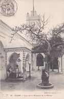 ALGER. COUR DE LA MOSQUE DE LA MARINE. COLLECTION IDEALE. CPA OBLITEREE 1909 BOUZAREAH - BLEUP - Algeri