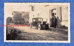 Photo Ancienne Snapshot - Belle Automobile à Identifier - Visite Chez Grand Mère - Auto - Automobiles