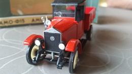 AMO (ZIL) F15 Eerste Sovjet-truck 1927 - Voitures, Camions, Bus