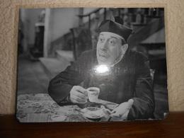 FERNANDEL Dans DON CAMILLO 1952  Repro Cartonnée Et Plastifiée - Non Classés