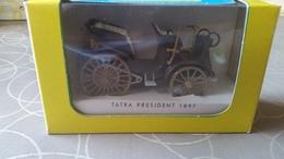 Igra 1897 Tatra President Staat: MIB Plastic 1/36 - Echelle 1:32