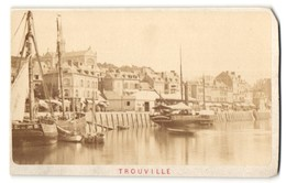 Photo Photographe Inconnu,  Vue De Trouville, Vue Sur Le Port Avec Voiliersn Et Häuser - Lieux
