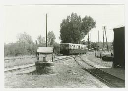 CPM TRAIN VOIR DOS 36 Ecueillé Autorail Verney X 224 En Gare Le 31/08/1957 Ligne Blanc Argent Citroën Traction Au PN - Autres Communes