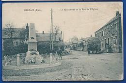 SORBAIS   Le Moument Et La Rue De L'église   Animées    écrite En 1925 - France