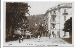 Alassio (Savona). Piazza Airaldi E Hotel Concordia. Carrozze. - Savona