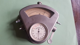 Blood Pressure Oscillostat And Manometer BS Germany Vintage - Medisch En Tandheelkundig Materiaal