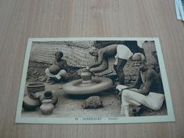 CP09/ INDE PONDICHERY POTIERS / CARTE NEUVE - India