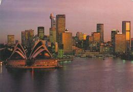 AUSTRALIA - Sydney - Sydney's Famous Opera House And Skyline - Sydney