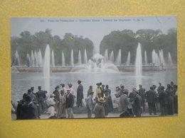 VERSAILLES. Le Château. Le Bassin De Neptune. - Versailles (Château)