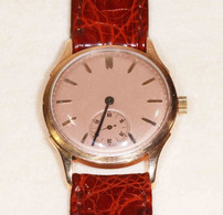 Montre Mécanique En Or 18 Carats à Mouvement Oméga - Watches: Old