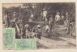 9AL1335 GUINEE1925 - Halte D'un Convoi Au Bord D'une Rivière 2 SCANS - Guinée Française