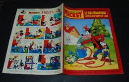 Journal De Mickey N° 1346 De 1978 Avec L'encart Poster Christian Zuber De Danone - Journal De Mickey