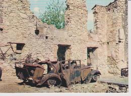 Oradour Sur Glane  Reste D'une Voiture Dans Les Ruines - Lieux