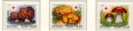 PIA - FINLANDIA  - 1974 : Pro Croce Rossa- Funghi - (Yv 717-19) - Mushrooms