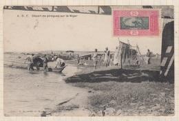 9AL1343 DAHOMEY AFRIQUE OCCIDENTALE A O F DEPART DE PIROGUES SUR LE NIGER 2 SCANS - Dahomey