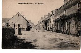 THORIGNE RUE PRINCIPALE ANIMEE - France