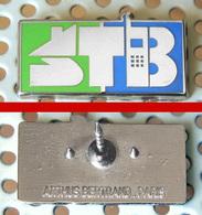 Arthus Bertrand : Pin's STB - Arthus Bertrand