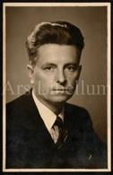 Photo Ancien / Foto / Photograph / Photo Size: 8,90 X 13,90 Cm. / Maurice Roelants / 1941 / 2 Scans / Romanschrijver - Dédicacées