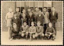 Grande Photo Ancien / Schoolfoto / School / Photo / Klasfoto / Boys / Garçons / Jongens / Size: 12,50 X 17,50 Cm. - Anonymous Persons