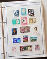 Timbres Tous Pays Et TOUS DIFFERENTS Dans Un Classeur De 152 Pages. Plus De 1000 Timbres. Satisfaction Assurée - Stamps