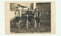 ** .  BOYS-SCOUTS   Met  Fiets     **-- FOTOKAART / CARTE PHOTO -- - Scoutisme