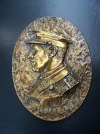 Ancien Grand Médaillon En Bronze ALBERT I Er 1909-1934 Roi Des Belges - Bronzes