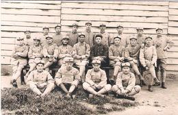 Carte Photo Militaire - Groupes De Soldats Du 6e Régiment D'Infanterie Colonial (ancre Képi - Ancre Et Chiffre 6 Collet) - 1914-18