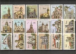Angola - Eglises ( 491/508 X -MH) - Angola