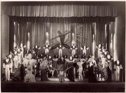 Casino De Paris, Josephine Baker, Scene, Spectacle, Vue D Ensemble     (bon Etat) Dim: 23 X 17. - Célébrités