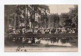 - CPA TARBES (65) - Le Jardin Massey 1915 - La Musique (belle Animation) - Editions Lévy N° 52 - - Tarbes