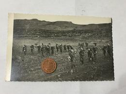 FOTO DI GRUPPO SOLDATI A.O.I.CASCO COLONIALE ZAINO BORRACCIA EQUIPAGGIAMENTO - Guerra, Militari