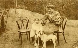 France Fillette Sur Cheval De Bois Jeu D'Enfants Chien Ancienne Photo Amateur 1920 - Anonymous Persons