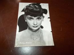 B726  Audrey Hepburn Non Viaggiata - Acteurs