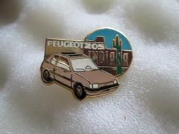 PIN'S   PEUGEOT   205  INDIANA  Helium - Peugeot