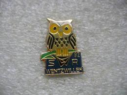 Pin's SWR 92 De La Commune De Wentzwiller. Chouette - Hibou - Villes