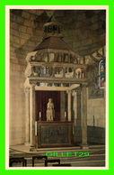 NEW YORK CITY, NY - THE CLOISTERS METROPOLITAN MUSEUM OF ART - CHAPEL CIBORIUM ALTAR FRONTAL - - Musées