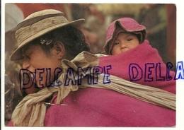 Equateur.Au Marché Indien. Maman Et Bébé - Equateur
