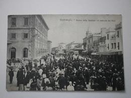 Italie. Ventimiglia, Piazza Della Stazione Col Mercato Dei Fiori (A8p61) - Imperia